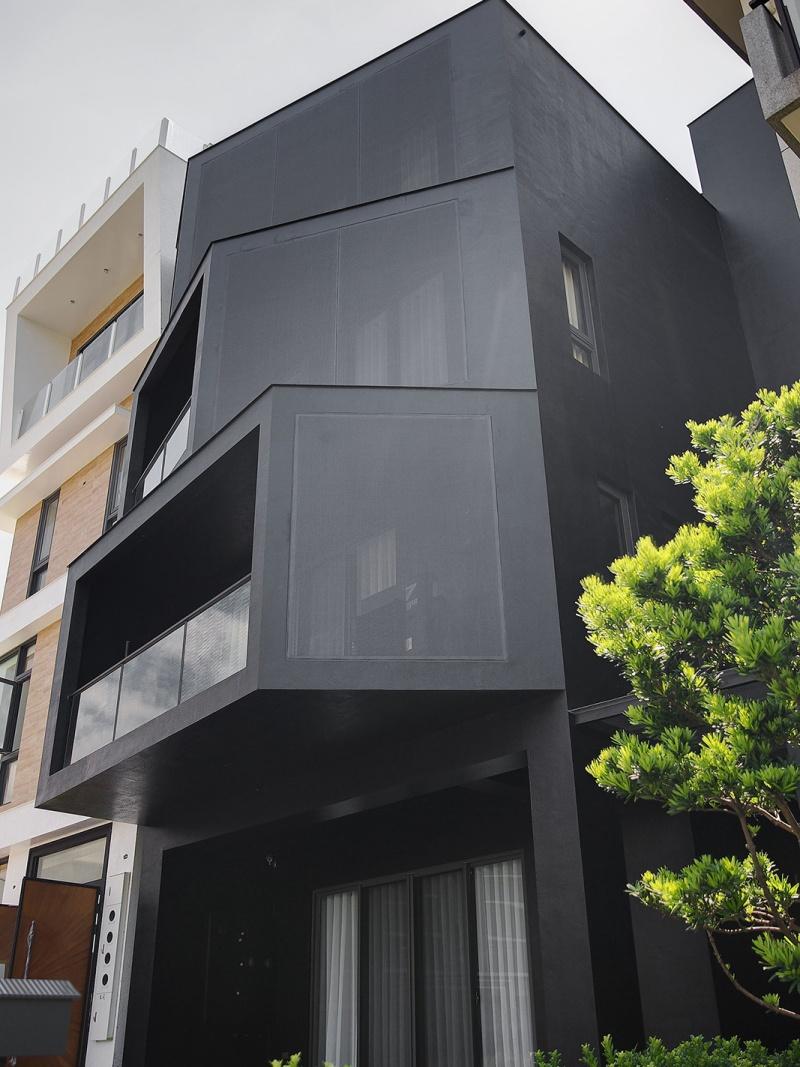 Fan Residence